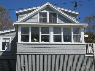 THE HAVEN | EAST BOOTHBAY | OCEAN VIEWS | CLASSIC MAINE COTTAGE | ENCLOSED SUNROOM & OPEN PORCH WITH SPECTACULAR VIEWS | MINUTES - South Bristol vacation rentals
