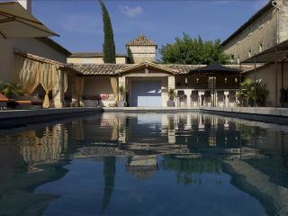 Beautifully Restored Bastide with Swimming Pool and Jacuzzi, Close to Uzès, Sleeps 14 - Goudargues vacation rentals