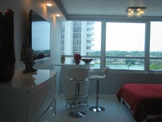 Amazing  Beachfront Suite; Bay View/ Parking Avai - Miami Beach vacation rentals