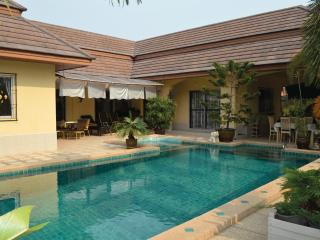 Villa Bos with private pool  in Pattaya - Na Chom Thian vacation rentals