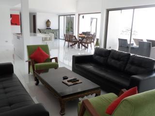 3-Bedrooms & 3 Bathrooms Villa Marinella in Lamai - Surat Thani Province vacation rentals