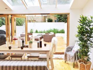 Luxury 2 bed Garden Flat in Little Venice - London vacation rentals