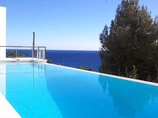 SPECTACULAR FIRST LINE CUBIC-STYLE HOUSE IN BLANES - Costa Brava vacation rentals