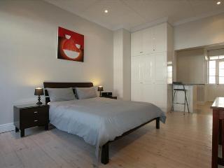 Cape Edge Studio Apartment Sea Point - Cape Town vacation rentals