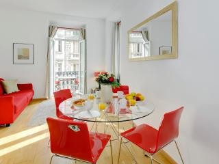 Rose- Nice Apartment 1 Bedroom with Balcony Overlooking Rue de France - Cote d'Azur- French Riviera vacation rentals