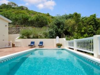 Lovely 3 Bedroom Villa overlooking Oyster Pond & Dawn Beach - Dawn Beach vacation rentals