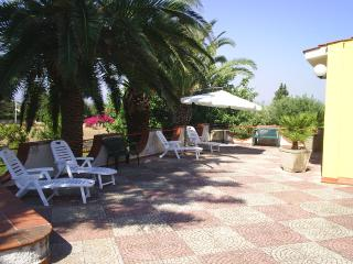 "Siracusa "" Villa Fortuna "" riserva naturale del Pl - Syracuse vacation rentals"