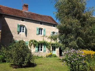 authentic and peaceful - La Rochelle vacation rentals
