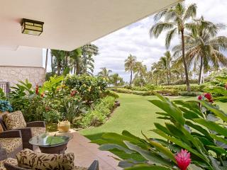 Magnificent Ground Floor 2 BR/2 Bath Villa right on the lagoon in Beach Tower - Ko Olina Beach Villa - Kapolei vacation rentals