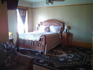 1899 House -- Rigby Suite (See also: Dora Suite) - Spokane vacation rentals