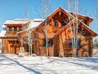 Located on Blackfoot Trail overlooking the 11th hole and bordering Caribou-Targhee National Forest - World vacation rentals