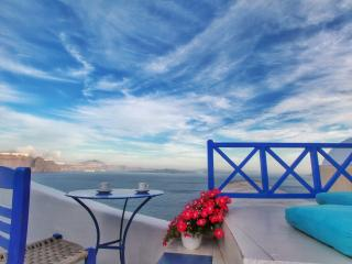 Blue  Blanco oia cave house - Oia vacation rentals