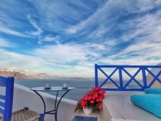 Blue  Blanco oia cave house - Santorini vacation rentals