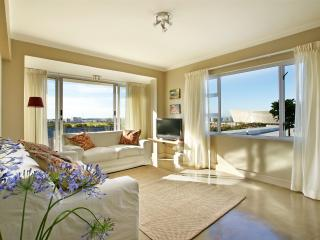 PRIVATE PLACES -DORIC 505,  GREEN POINT, CAPE TOWN - Cape Town vacation rentals