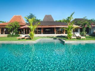 Joglo Villa Theo Bali  -1,2,3,4,5 beds frm $200/nt - Seminyak vacation rentals