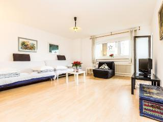 08 Holiday Apartment Cologne in quite surrounding - Cologne vacation rentals
