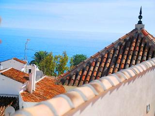 Nerja Balcon de Europa Apartment 1 B - El Morche vacation rentals