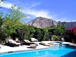 Beautiful pool and grounds w/casita - La Quinta vacation rentals