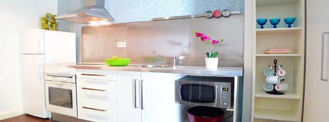 Apartamento BIRKIN II - Madrid Area vacation rentals