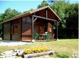 Gite en chalet bois, à proximité de Vézelay - Saint-More vacation rentals