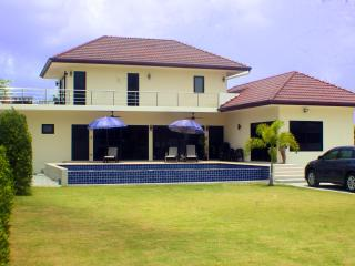 Sunshine Villa - Brand New 3 Bedroom Pool Villa - Rawai vacation rentals