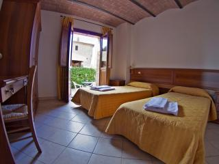 Olmo house in Tuscany Chianti Hills - Castelnuovo Berardenga vacation rentals