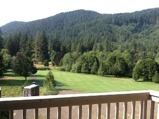 Golf Course Condo w/spectacular views - Welches vacation rentals