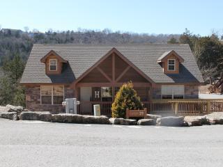 Luxury 2 BD/2 BA Lodge Located Close to Branson - Branson vacation rentals