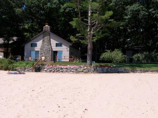 Eaton's Cottage - Tawas City vacation rentals
