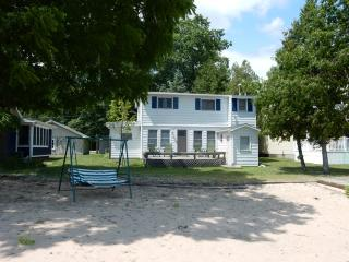 Lazy Dayz - Au Gres vacation rentals
