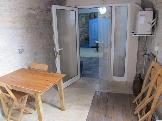 Apartment VOLTERA - Betina vacation rentals