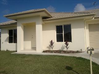 Seabreeze Estate - Spacious 3 Bedroom, 2 bathroom - Bowen vacation rentals