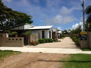 Furnished Rental- 2 bedrooms, immaculate, pet frie - Bowen vacation rentals