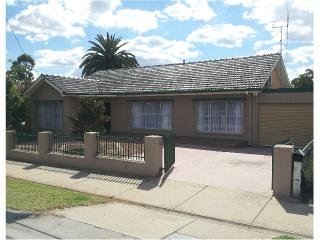 On The McIvor - Comfortable, fully furnished house - Bendigo vacation rentals