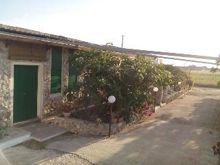 CASETTA MINGO - Andrano vacation rentals