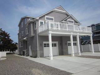 Gorgeous 5 bdrm Avalon beach house new in 2013 - Avalon vacation rentals