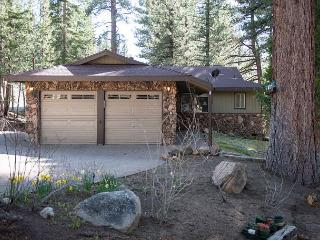 3BR/2BA  Ultimate Privacy Alpine House, South Lake Tahoe, Sleeps 6 - South Lake Tahoe vacation rentals