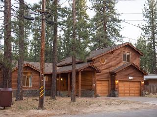 5BR/4BA Pvt Hot Tub- Gorgeous Home- Best Location- Summer Specials, Sleeps 12 - Lake Tahoe vacation rentals