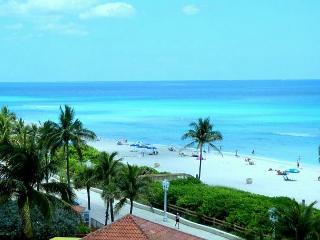 Beachfront Full Ocean View NE Corner 1/1, 2 Queen Beds for 6 HEATED POOL 661 - Hollywood vacation rentals