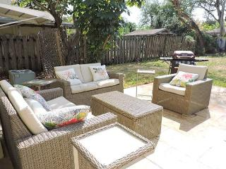 Skip & Jump to Wilton Drive 3/1 Charming home for 6 FREE WIFI Near Beach - Hollywood vacation rentals