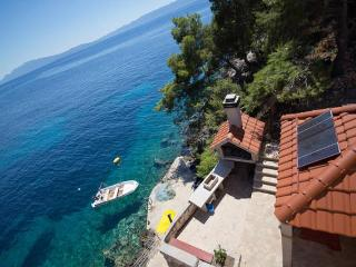 Apartment Moni 1 to 6 - 10m from the sea - Zastrazisce vacation rentals