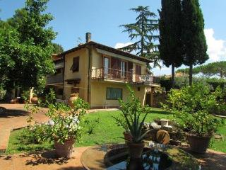 Terrace With View 15 minutes from Florence - Bagno a Ripoli vacation rentals