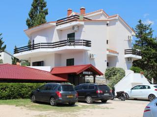 Apartmani TONI, Ap2 - Island Pag vacation rentals