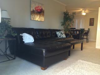 Resort 3 Bed in Newport Beach $190 - Don't Miss it - Newport Beach vacation rentals
