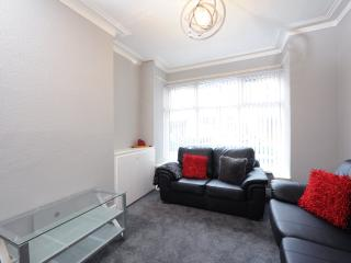 Wellington House 5 Bed Nr City Ctr Sleeps 10 (w) - Manchester vacation rentals