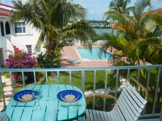 Lovely One-bed waterfront Condo near Beach & shops - Freeport vacation rentals