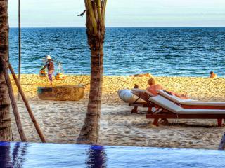 Ananda Deluxe Garden View Bungalow - Mui Ne vacation rentals