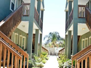 Steps to beach, beautiful, spotless, responsive - South Padre Island vacation rentals