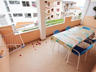 Cosy 1 Bedroom Apartment Rudez Makarska - Makarska vacation rentals