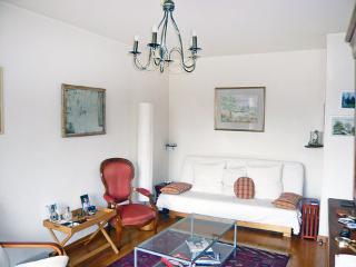 1 rue Houdon ~ RA24568 - 18th Arrondissement Butte-Montmartre vacation rentals